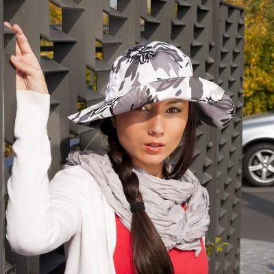 Dámský bavlněný klobouk se širokou krempou