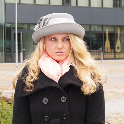 Vlněný klobouk s rovnou hlavou