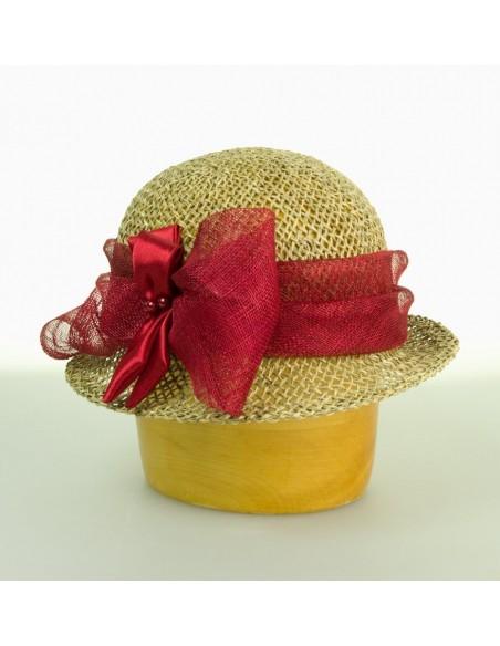 Dámský klobouk z mořské trávy zdobený sinamay a saténem
