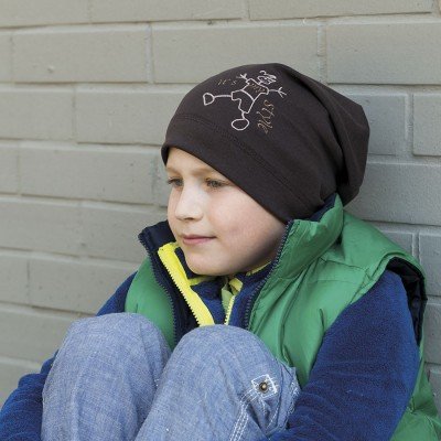 Bavlněná čepice prodloužená s výšivkou