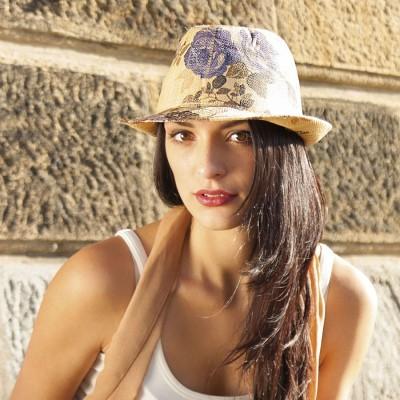 Dámský klobouk rafia s potiskem květin