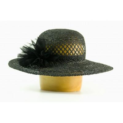 Dámský papírový klobouk