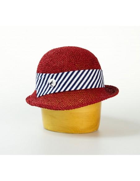 Dámský papírový klobouk zdobený látkou a knoflíkem