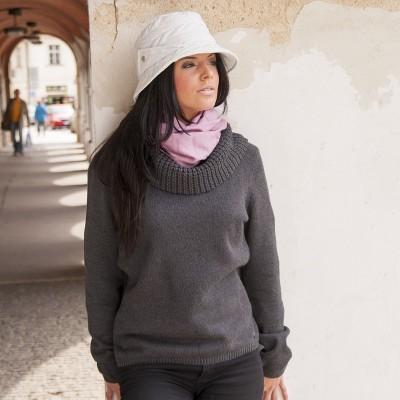 klobouk šitý z proševu
