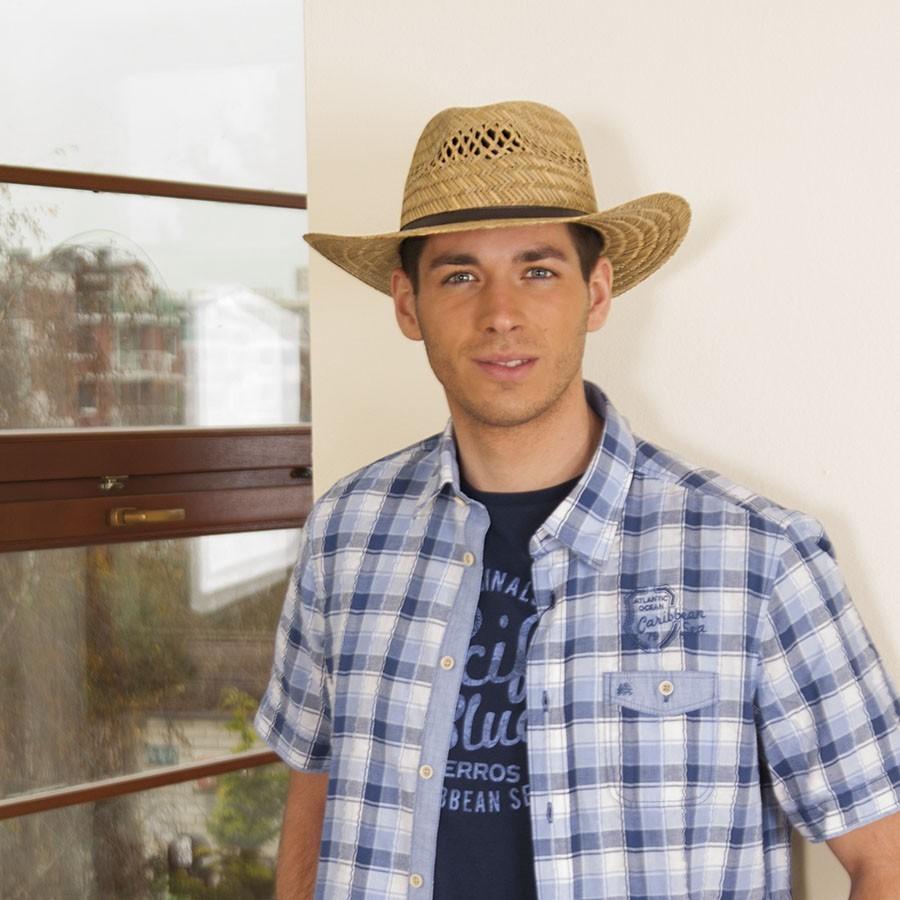 Pánský slaměný klobouk s koženým páskem