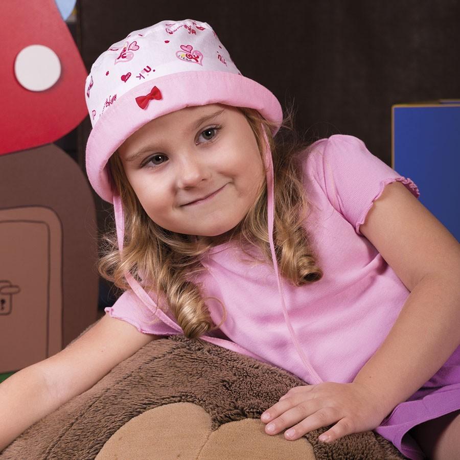 Bavlněný klobouček s ohrnutou krempou a aplikací