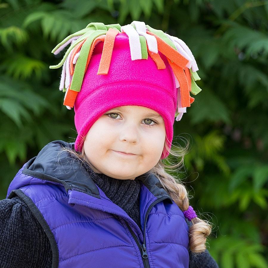 Dětská fleece čepice se střapci