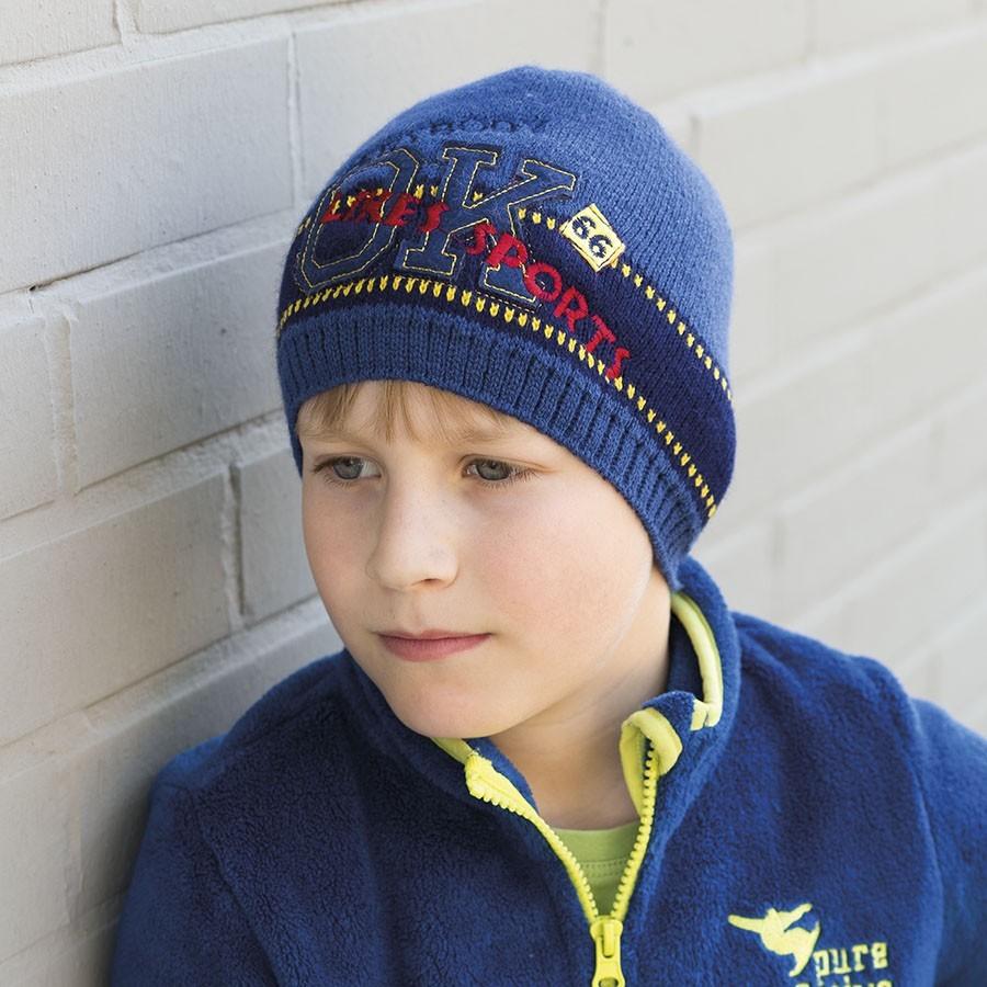 Pletená čepice s aplikací