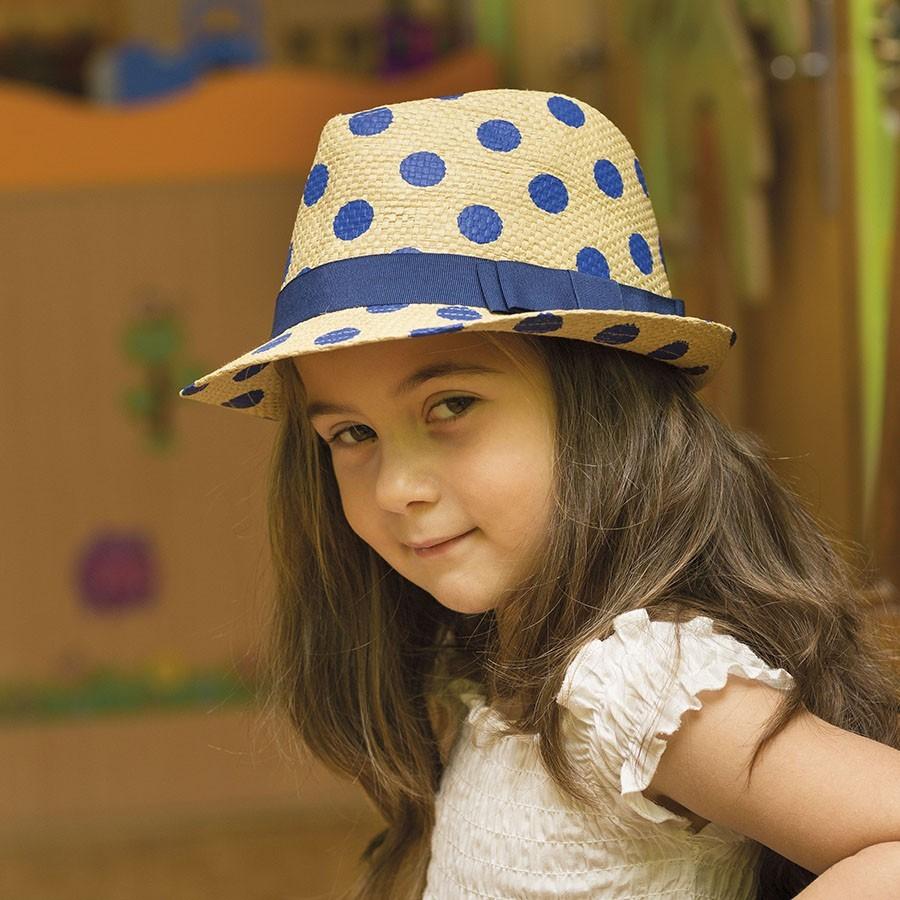 Dívčí papírový klobouk s puntíky