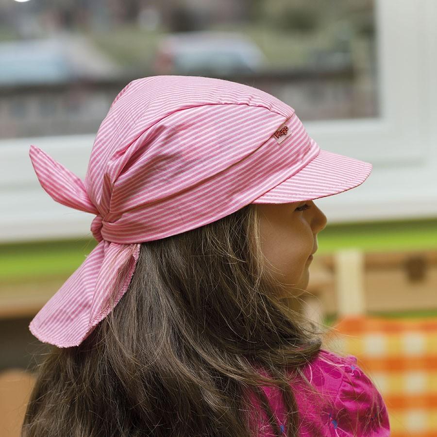 Dětský šátek s kšiltem na zavazování