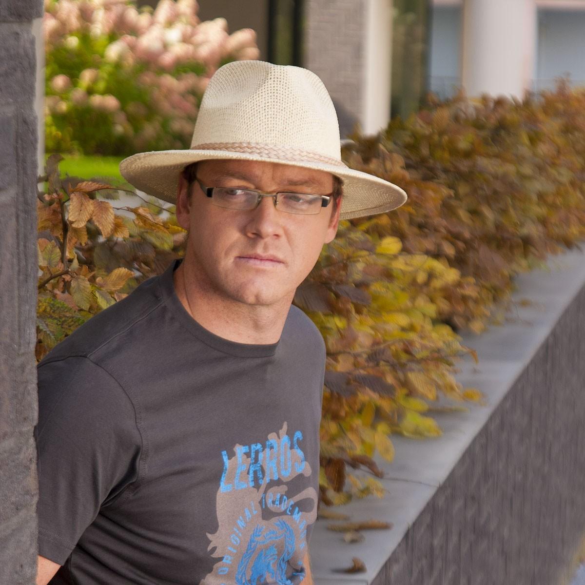 Pánský papírový klobouk