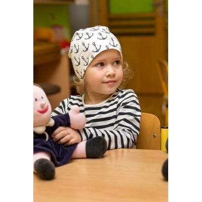 Dětská úpletová čepice s potiskem kotva