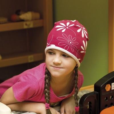 Dětská úpletová čepice s paspulí