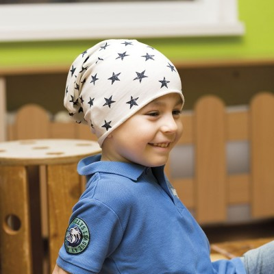 Dětská prodloužená čepice s potiskem hvězdy