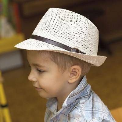Chlapecký papírový klobouk s koženým páskem