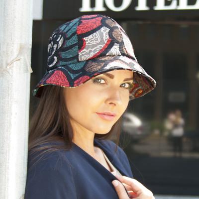 Dámský dílkový klobouk pestrobarevný