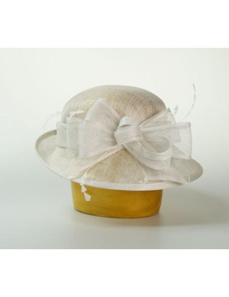 Modelový klobouk sinamay