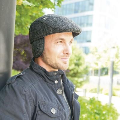 Pánská šitá bekovka s klapkami na uši