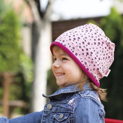 Bavlněná čepice s paspulí a potiskem