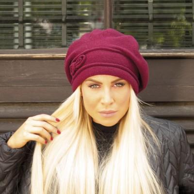 Vlněný prodloužený baret...