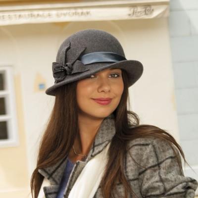 Dámský vlněný klobouk...